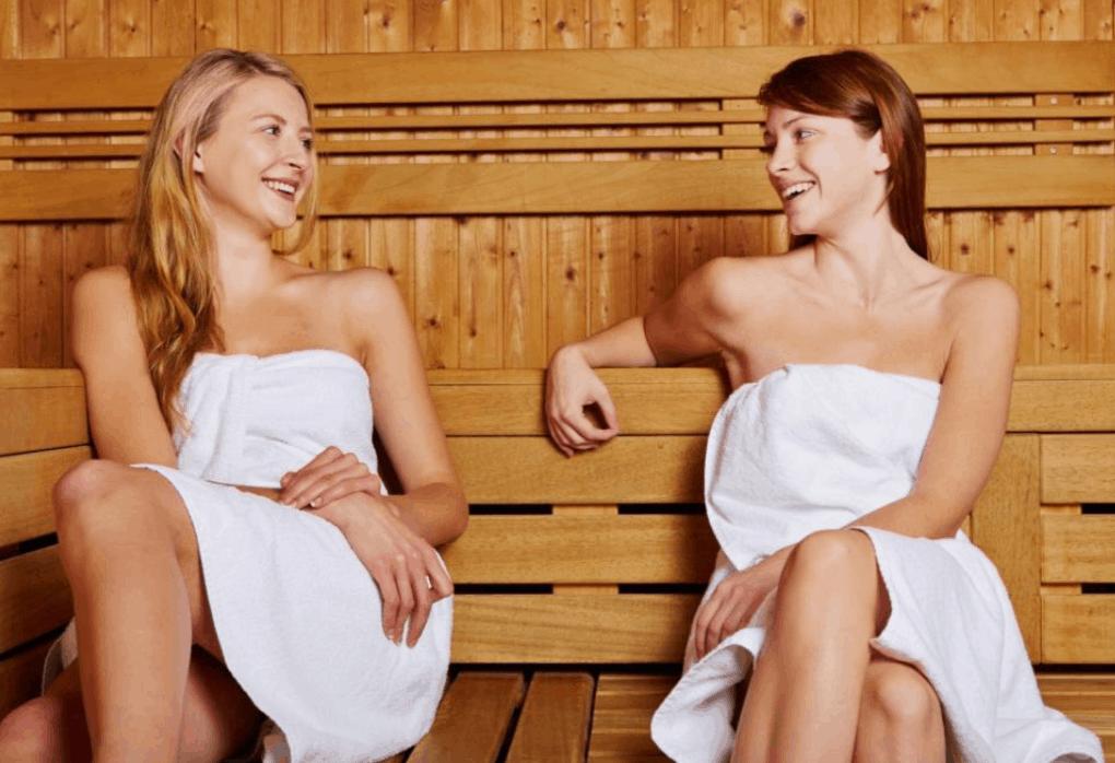 Ladys in der Sauna